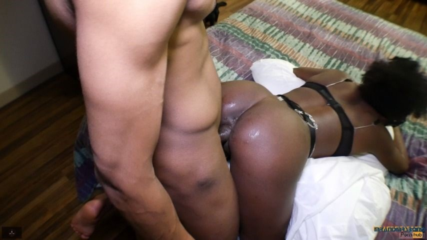 [Full HD] Mrandmrsbond I Like To Get Fucked In Both Holes MrandMrsBond - ManyVids-00:13:03 | Ebony, Anal Play, Ebony Ass Worship - 229,2 MB