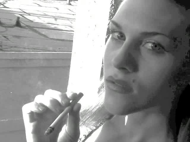[SD] Naughtyayla Smoking NaughtyAyla - ManyVids-00:07:21 | Smoking, Black &Amp;Amp; White, Barely Legal - 56,3 MB