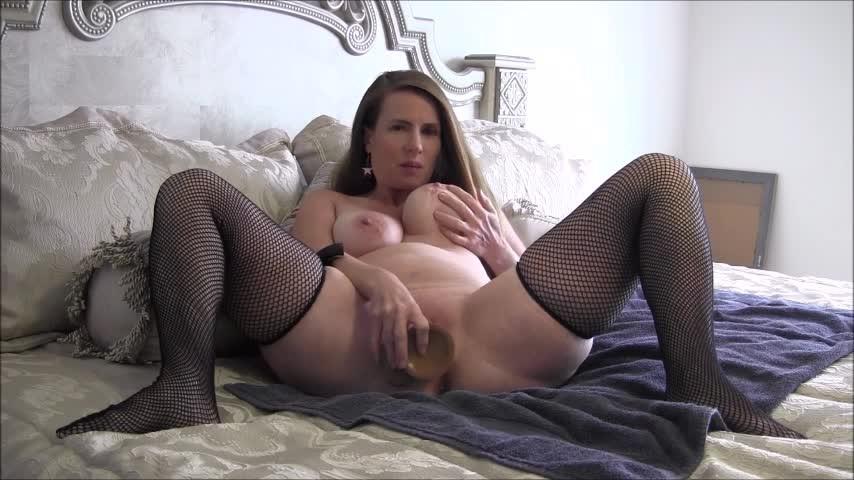 [SD] Nikkinevada Mommy Pregnant By Stepson NikkiNevada - ManyVids-00:08:50   Big Tits, Dildo Fucking, Masturbation, MILF, Pregnant - 289,4 MB