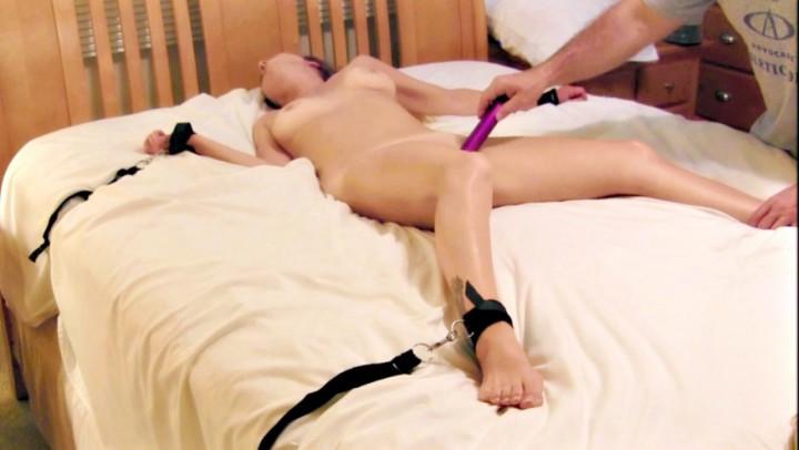 [Full HD] Nikkinevada Nikki Tied To Bed And Dildo Fucked NikkiNevada - ManyVids-00:31:46 | Bondage, MILF, Bondage Restraints, Vibrator, Oil - 2,2 GB