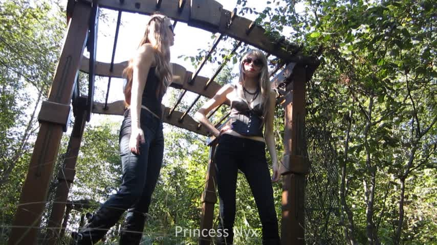 [Full HD] nym fleurette queen nyx making you do the yard work Nym Fleurette - ManyVids-00:04:45 | 18 & 19 Yrs Old, Female Domination, Slave training, Femdom, Double Domination - 273,4 MB