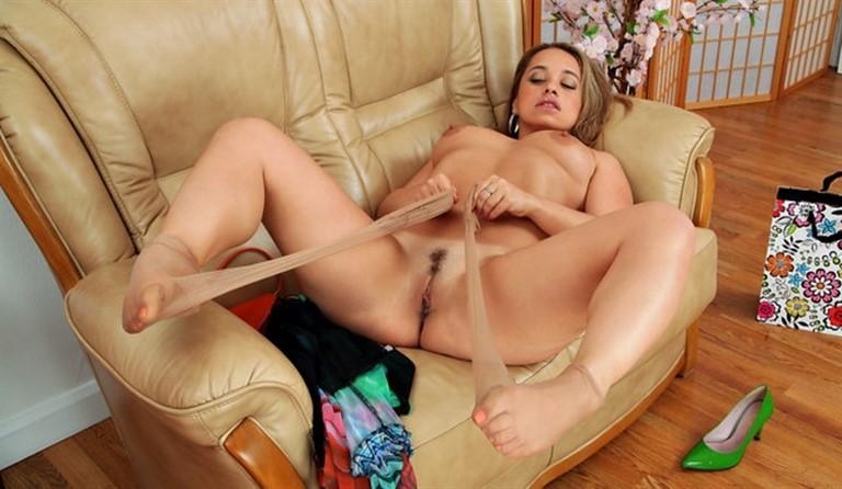 [Full HD] Olga Cabaeva - Eat Me Mix - SiteRip-00:16:09   European, Big Areolas, Brunette, Long hair, Landing Strip Pussy, Natural, Small Boobs, Milf, Solo - 1,4 GB