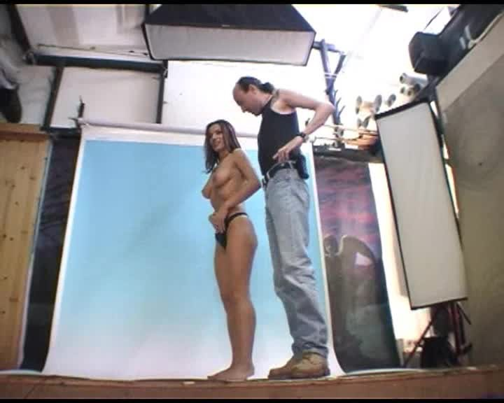 [SD] one eyed jack behind the scenes of a portfolio shoot One Eyed Jack - ManyVids-00:06:03   Photo Shoot, Behind The Scene, Gonzo, Reality Porn - 42,4 MB