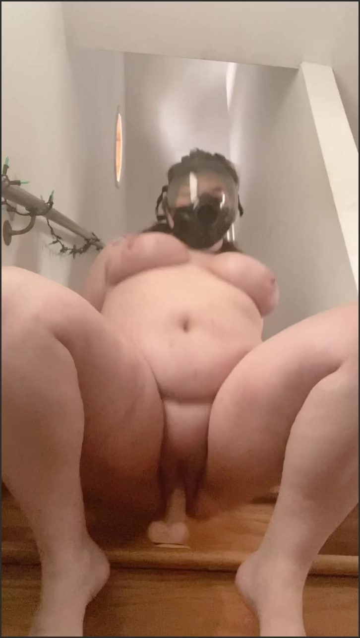 [SD] Rubberfoxx Bbw Gasmask Solo And Squirt Rubberfoxx - ManyVids-00:02:34   BBW,Gas Mask,Rubber Fetish,Squirting,BBW Goddess - 50 MB