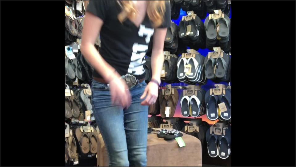[Full HD] Theplaymaker Take Me Shoe Shopping Theplaymaker - ManyVids-00:01:51 | Feet, Foot Fetish, Shoe Fetish - 202,1 MB