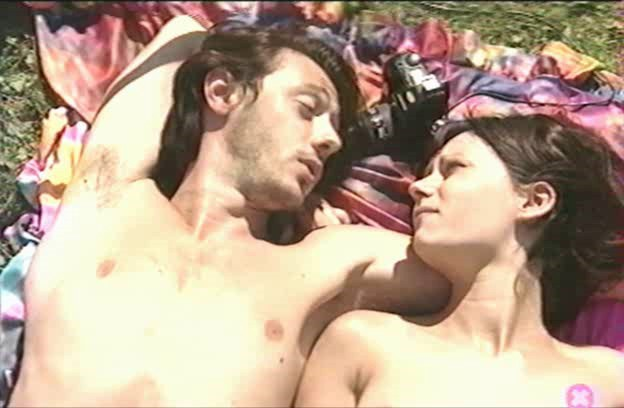 [LQ] 24 Heures Damour. John B. Root Paru Silios As Peggy Sue, - JBR Media-01:28:10 | Feature, Anal, DP, Outdoors - 687 MB