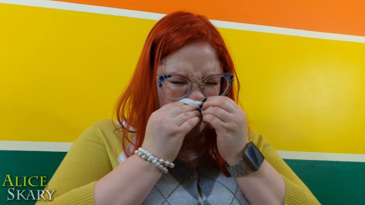 [Full HD] Aliceskary Blowing My Nose With A Wet Wipe AliceSkary - ManyVids-00:02:05   Nose Blowing,Nose Pinching,Coughing Fetish,BBW,BBW Goddess - 207,7 MB