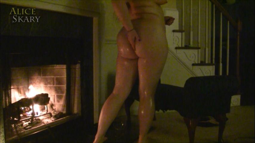 [Full HD] Aliceskary Fireside Curves Oiling AliceSkary - ManyVids-00:05:45 | Lotion/Oil Fetish,Oil,Massage,Erotic Nude,Erotica - 337,4 MB