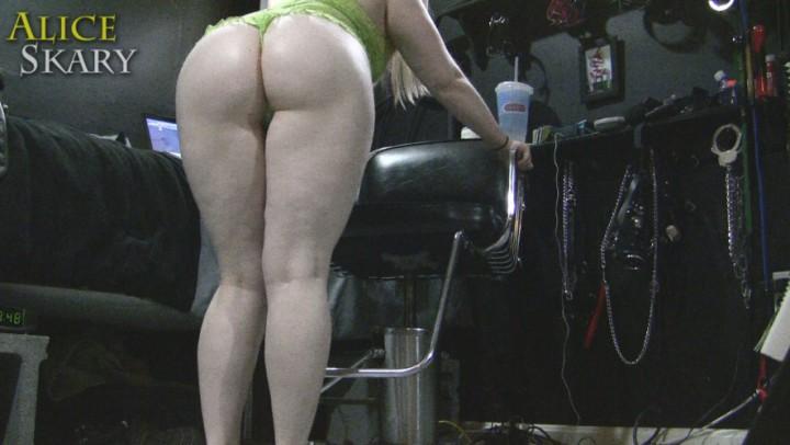 [Full HD] Aliceskary Goddess Ass In Green Lace Lingerie AliceSkary - ManyVids-00:05:35 | White Booty,Goddess Worship,BBW Goddess,Ass,Ass Worship - 111,4 MB