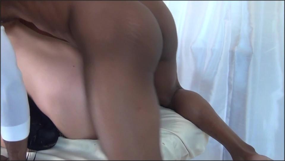 [Full HD] apgirlz hotwife cuckolds hubby with bbc ApGirlz - Manyvids-00:15:28 | Size - 549,2 MB