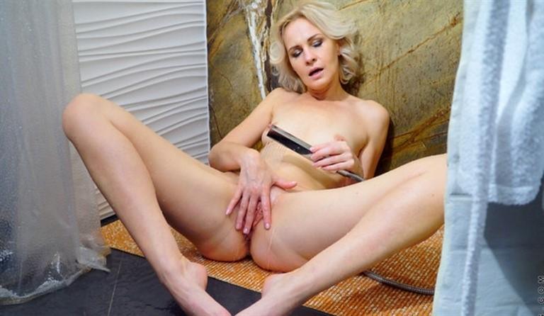 [Full HD] Artemia Hot And Wet Mix - SiteRip-00:18:31 | Puffy Nipples, Medium Boobs, Solo, Short Girls, Fair Skin, Short Hair, Landing Strip Pussy, Blonde - 1,1 GB