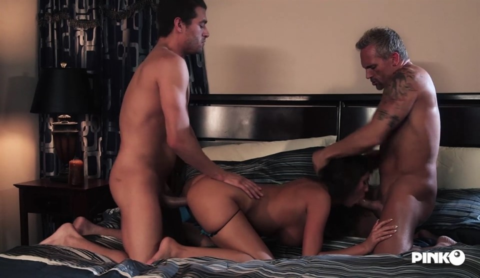 [Full HD] August Ames Trip Memories Mix - SiteRip-00:20:50   Gonzo, Threesome, All Sex, Hardcore - 764,4 MB
