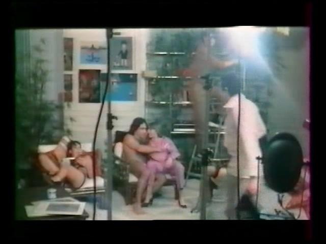 [SD] Ça Frime Chez Les Minettes Ça Frémit Dans Lentrecuisse Vip-Pussy.Com Mix - Paris Zurich Films-01:11:36   Classic - 902,9 MB