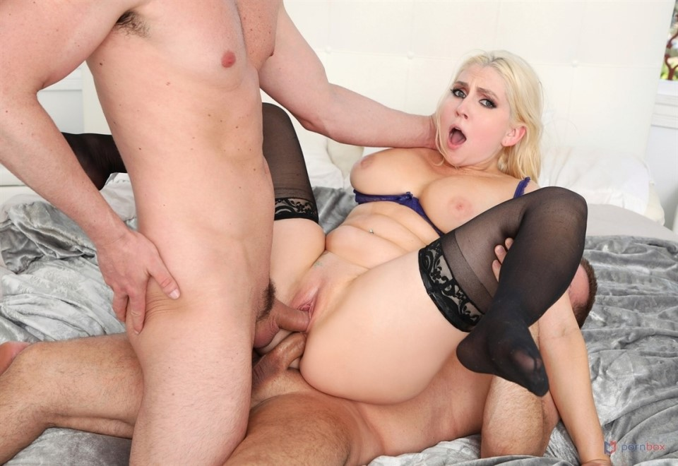 [HD] Christie Stevens Cock-Craving Cheating Wife Christie Stevens DPd By Fuckbuddies Mix - SiteRip-00:54:23   Facial, Hardcore, Anal, MILF, DP, Gonzo - 1,8 GB