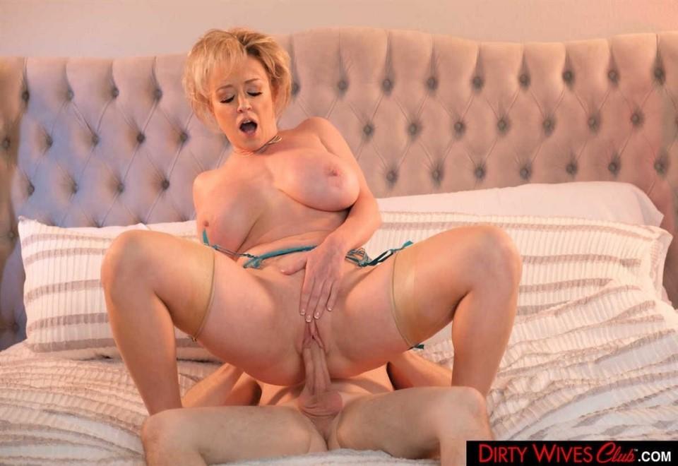 [Full HD] Dee Williams Dee Williams Is Horny And Wants Her Husband To Send Her An Escort Dee Williams - SiteRip-00:46:18 | Bubble Butt, All Sex, Blowjob, Deepthroat, Big Tits, Blonde, MILF, Shaved, Tattoo, Titty Fucking, Cum On Tits - 2 GB