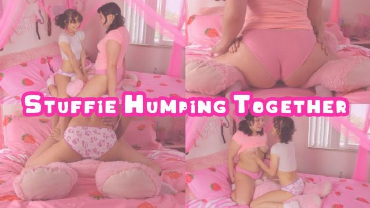 [Full HD] Kiki Cali Stuffie Humping Together Kiki Cali - ManyVids-00:07:05 | Age Play, Daddys Girl, Pillow Humping, Ass Fetish, Girl Girl - 330,1 MB