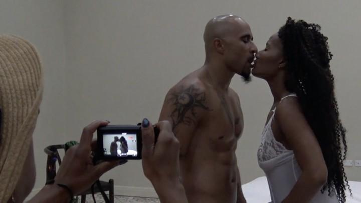 [HD] Kingnoire Rff Bts Live Sex Show Hedonism KingNoire - ManyVids-00:20:52 | Voyeur, Black &Amp;Amp; Ebony, BBC, Exhibitionism, Black On Black - 295 MB