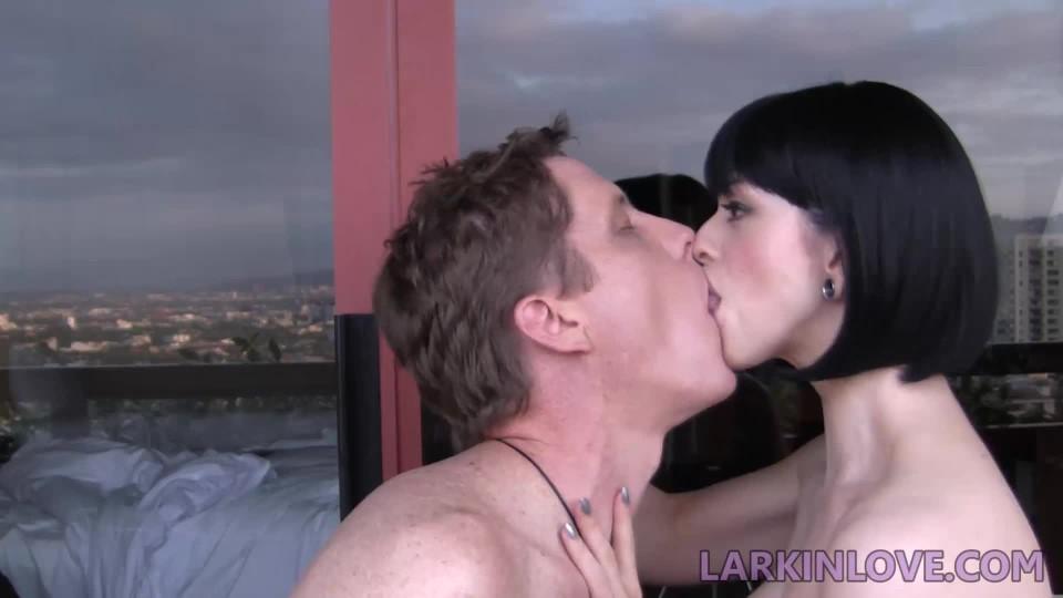 [Full HD] Larkin Love Deepthroat My Ton Larkin Love - ManyVids-00:11:46 | Candid, Kissing, Mouth Fetish, Spit Fetish, Tongue Fetish - 113 MB