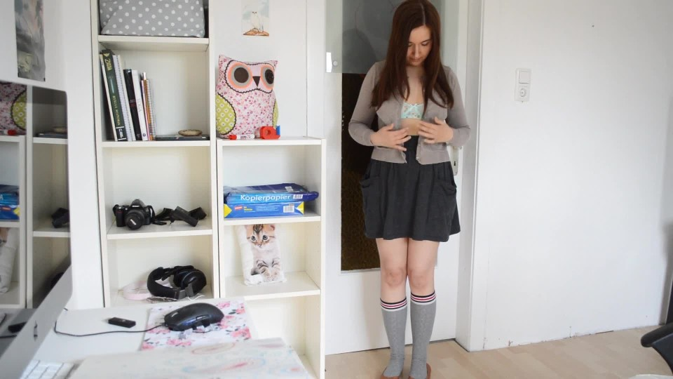 [Full HD] Leah The Private Lesson Leah - ManyVids-00:15:00 | Imposed Stripping, Masturbation, Role Play, School Girl, School Uniform - 393,1 MB