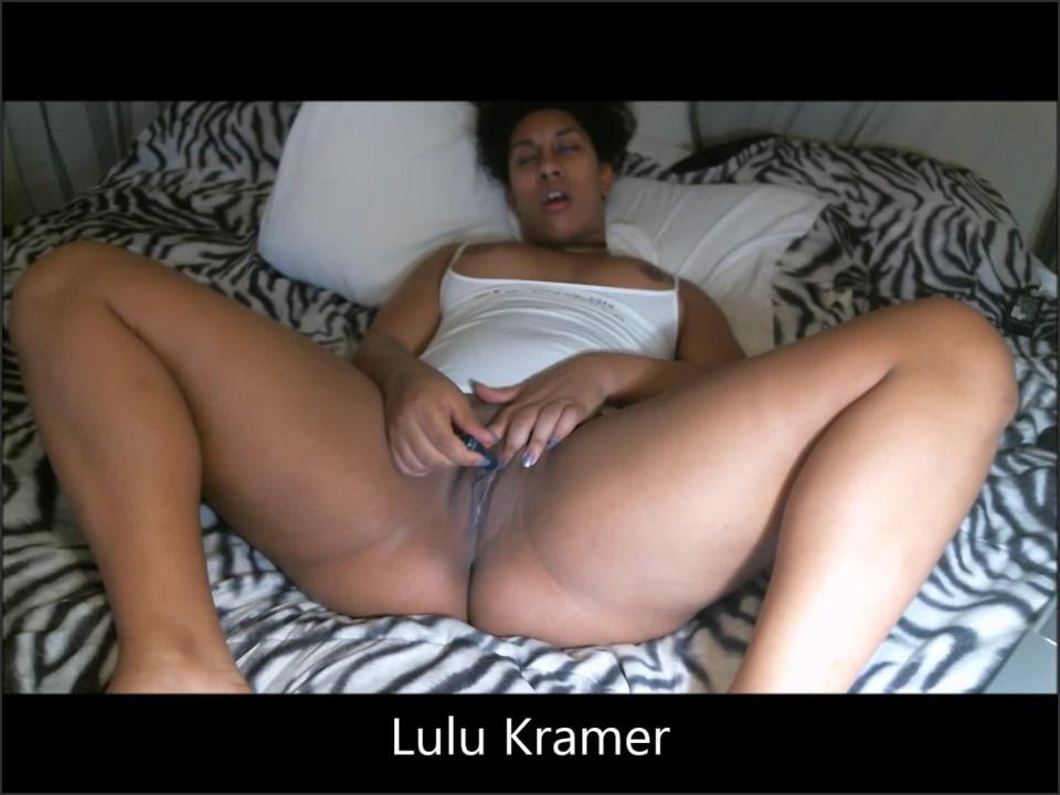 [Full HD] Lulukramer Black Dildo And Mini Vibe Play LuluKramer - Manyvids-00:11:14   Size - 812,3 MB