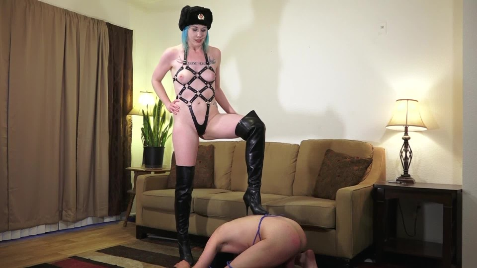 [Full HD] Lux Lives Xxx Ballbusting To Save Net Neutrality Lux Lives XXX - ManyVids-00:07:20 | Ballbusting, Femdom, Boots, Boot Domination, CBT - 383 MB