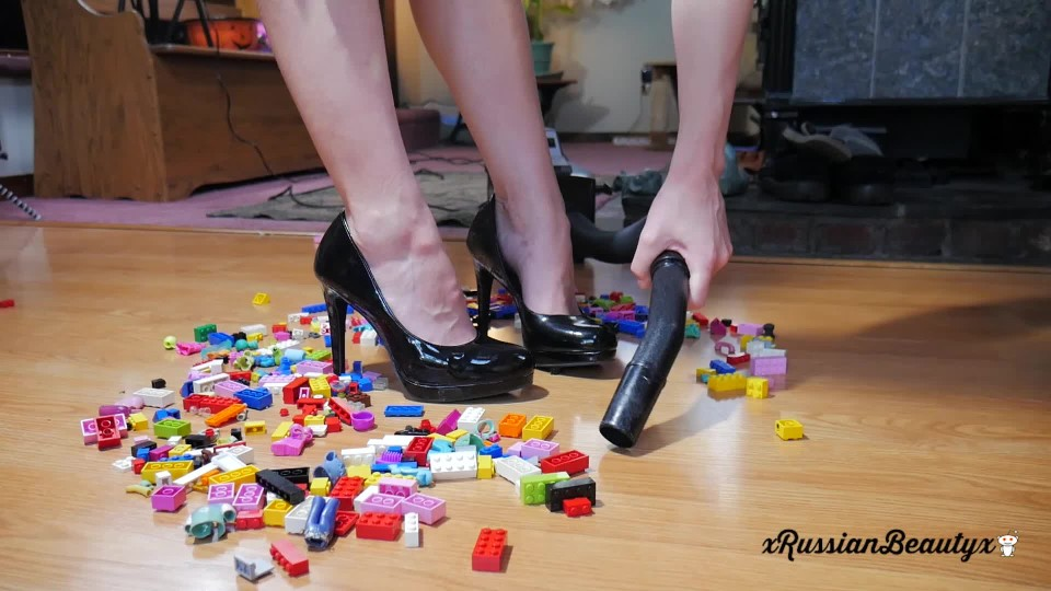 [Full HD] Madison Marz Say Goodbye To Your Legos Vip-Pussy.Com Madison Marz - ManyVids-00:09:21 | Foot Fetish, Vacuuming, Housecleaning, Shoe Fetish, Ass Fetish - 690,8 MB