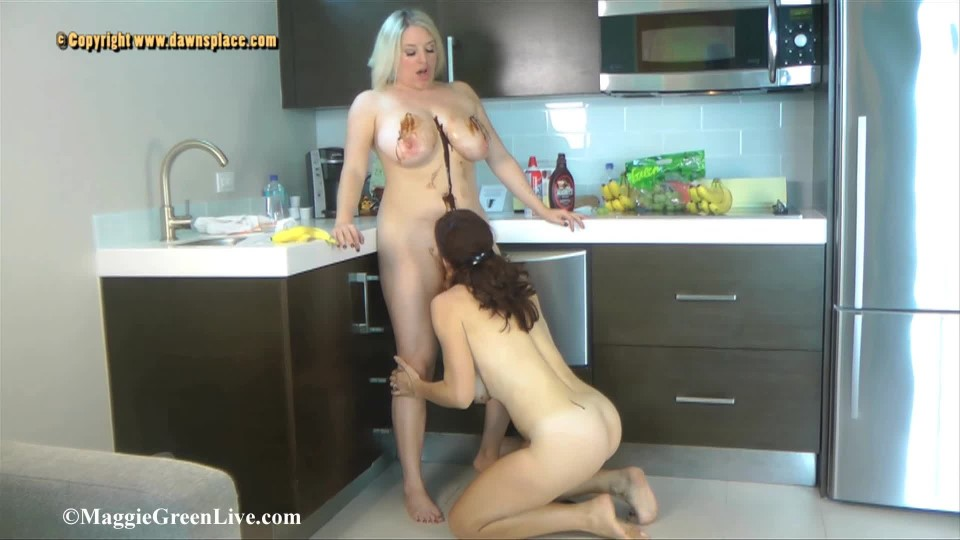 [Full HD] Maggie Green Big Boob Food Play Maggie Green - ManyVids-00:16:25 | All Natural, Big Tits, Food, Girl Girl, Wet &Amp;Amp; Messy - 603,3 MB