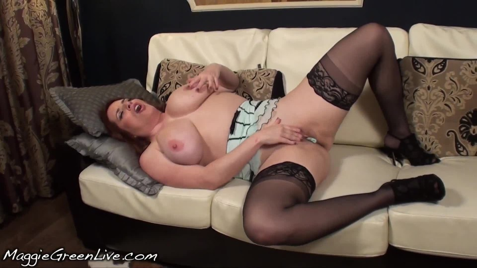[Full HD] Maggie Green Panty Stuffing And Tasting Them Maggie Green - ManyVids-00:08:46 | Lace/Lingerie, Masturbation, MILF, Panty Stuffing, Stocking - 257,9 MB