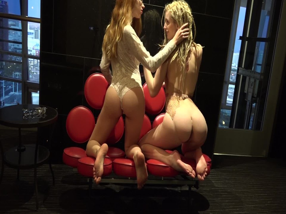 [Full HD] Maren Redloveseat Vip-Pussy.Com Maren - ManyVids-00:09:00   Glass Dildos, Kissing, Lace/Lingerie, Lesbians, Orgasms - 1,5 GB