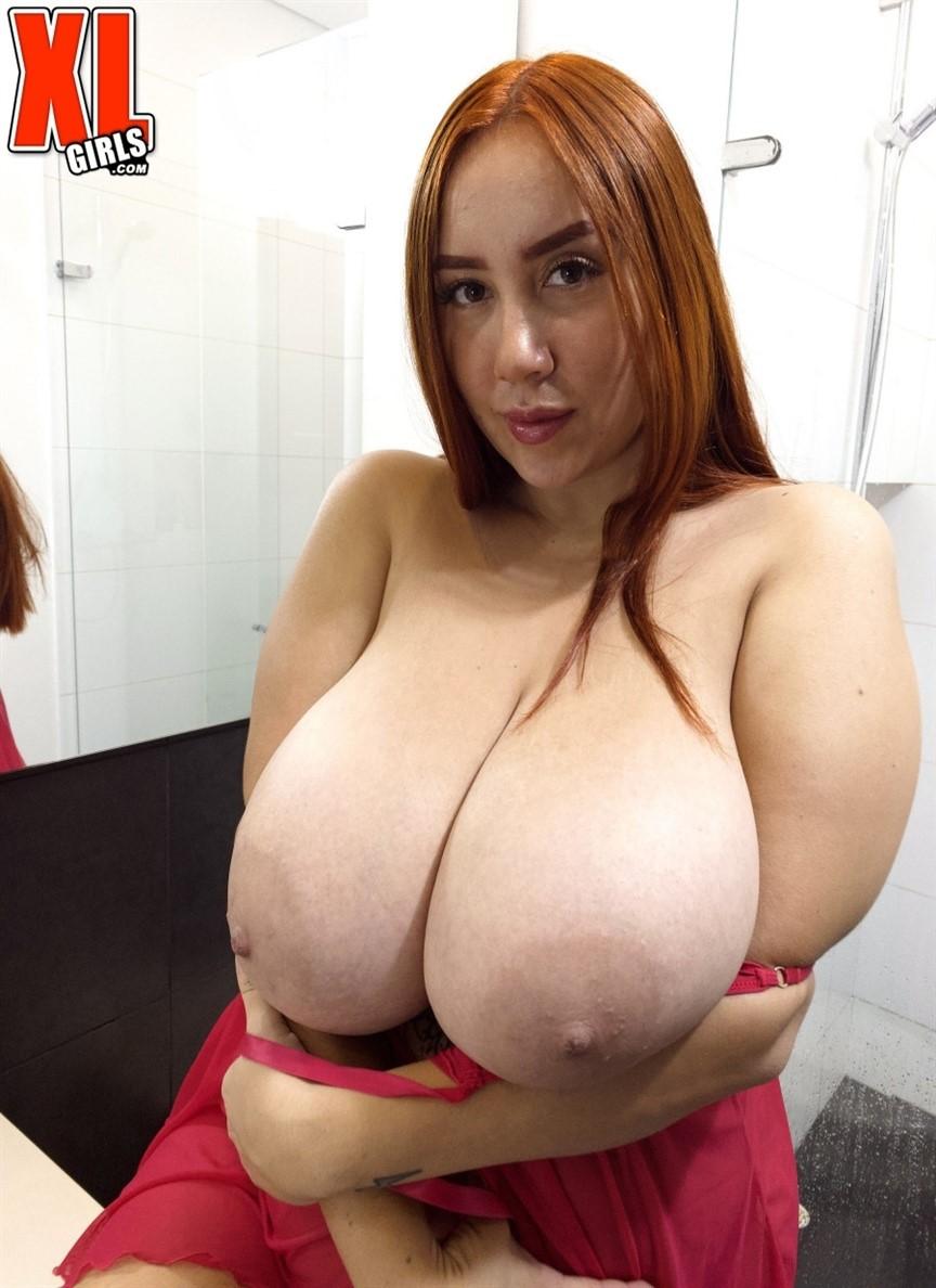 [Full HD] Mer Soaking-Wet Pleasure Mer - SiteRip-00:19:35 | Natural Tits, Big Tits, BBW, Chubby, Curvy, Voluptuous, Big Ass, Masturbation, Redhead, Solo, Dildo - 1,1 GB