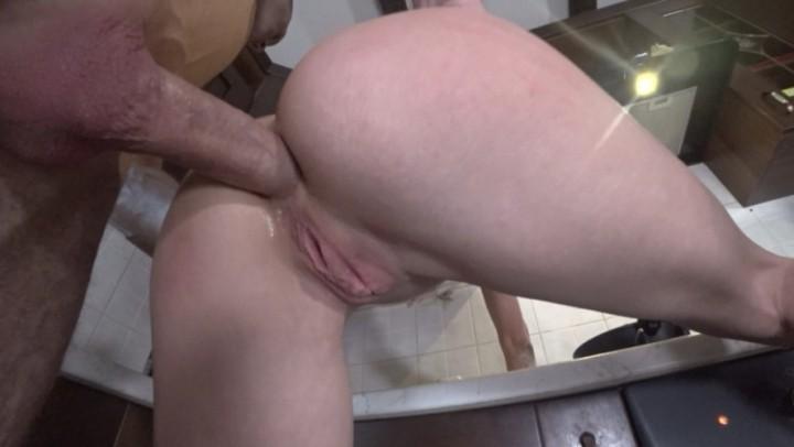 [Full HD] mia bandini anal fuck deepthroat while making pie Mia Bandini - ManyVids-00:17:31 | Amateur, Anal, Blowjob, Home Video, Rough Sex - 1,3 GB