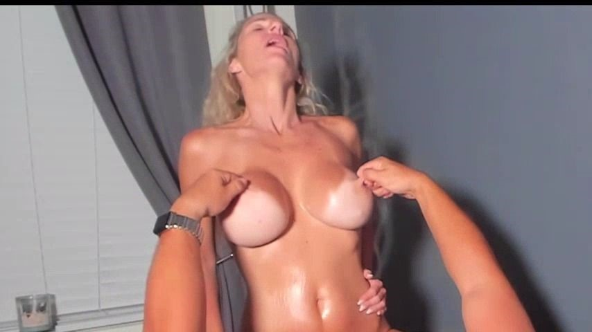 [Full HD] Miakinkdd Nurse Therapy MiaKinkDD - ManyVids-00:16:41 | Blonde, Boy Girl, Cumshots, Huge Boobs, Nurse Play - 1,2 GB