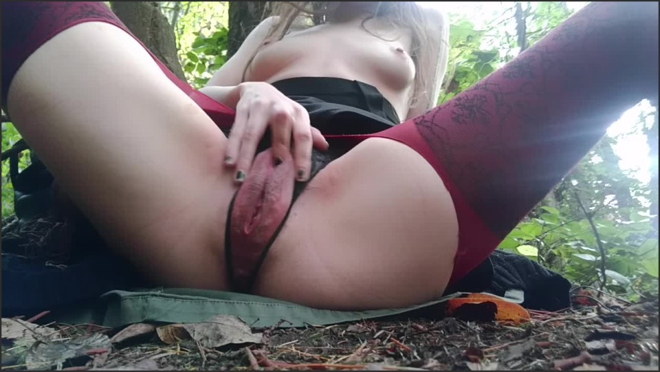 [HD] Midnightmademoiselle Outdoor Squirt And Anal Play MidnightMademoiselle - ManyVids-00:05:19   Public Outdoor, Squirting, Anal Play, Solo Female, Labia - 464 MB