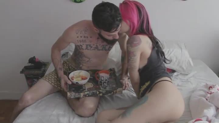 [LQ] Mila Spook Teaser Desconectados I Mila Spook - ManyVids-00:05:00 | Kissing, Nerdy Girls, Gamer Girl, Long Hair, Tattoos - 48,7 MB