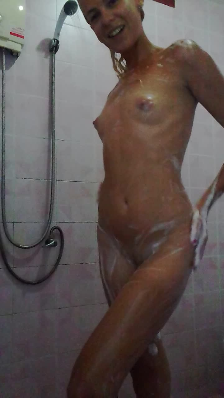 [HD] Missanja Sexy Bubble Showering And Hair Washing Vip-Pussy.Com MissAnja - ManyVids-00:10:39 | Erotic Nude, Hair Washing, Nudity/Naked, Shower, Wet Look - 1,1 GB