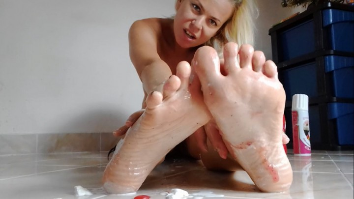 [HD] Missanja Sweet And Sticky Feet And Toes Sucking Vip-Pussy.Com MissAnja - ManyVids-00:14:49 | Barefoot, Feet, Foot Fetish, Foot Play, Whipped Cream Fetishh - 651,6 MB