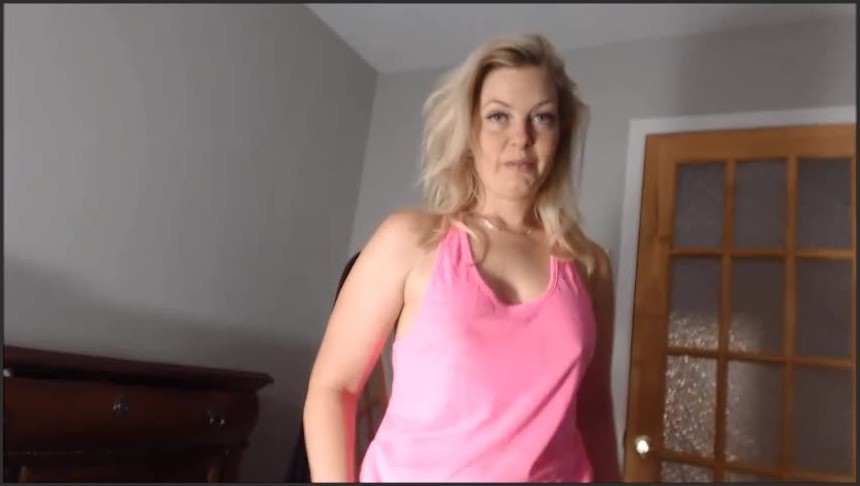 [SD] Missbehavin26 Blackmail Your Mother Mom In Law Vip-Pussy.Com Missbehavin26 - Manyvids-00:16:10 | Size - 124,7 MB