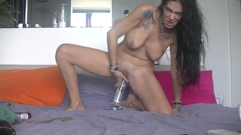 [Full HD] misssassfun big bottle in my pussy misssassfun - ManyVids-00:07:30 | Amateur, MILFs, Odd Insertions - 276,1 MB
