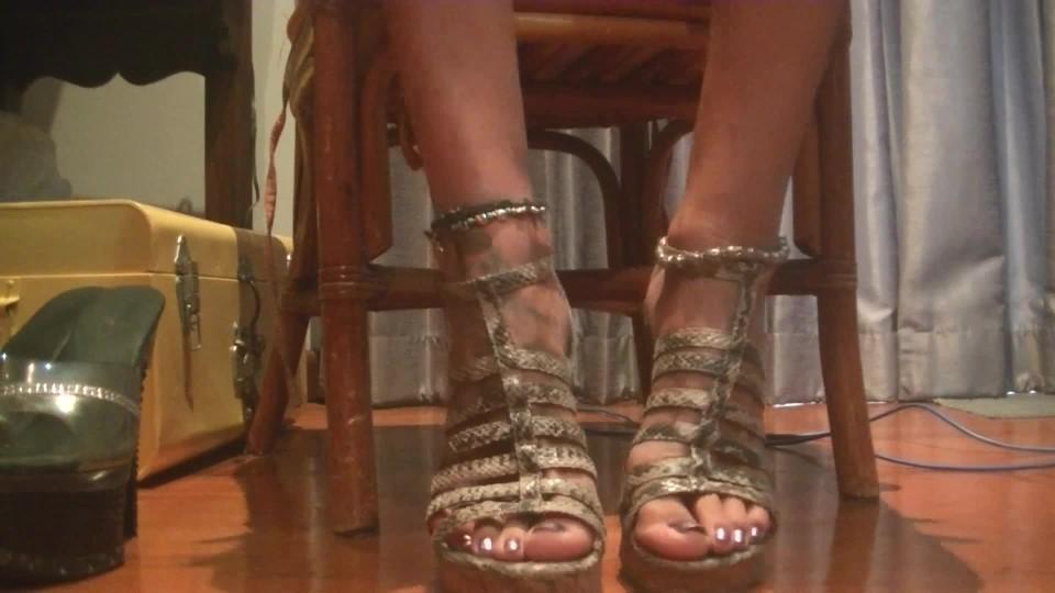 [Full HD] Misssassfun My Feet Misssassfun - ManyVids-00:05:21 | Foot Fetish, Foot Play, Amateur - 195,2 MB