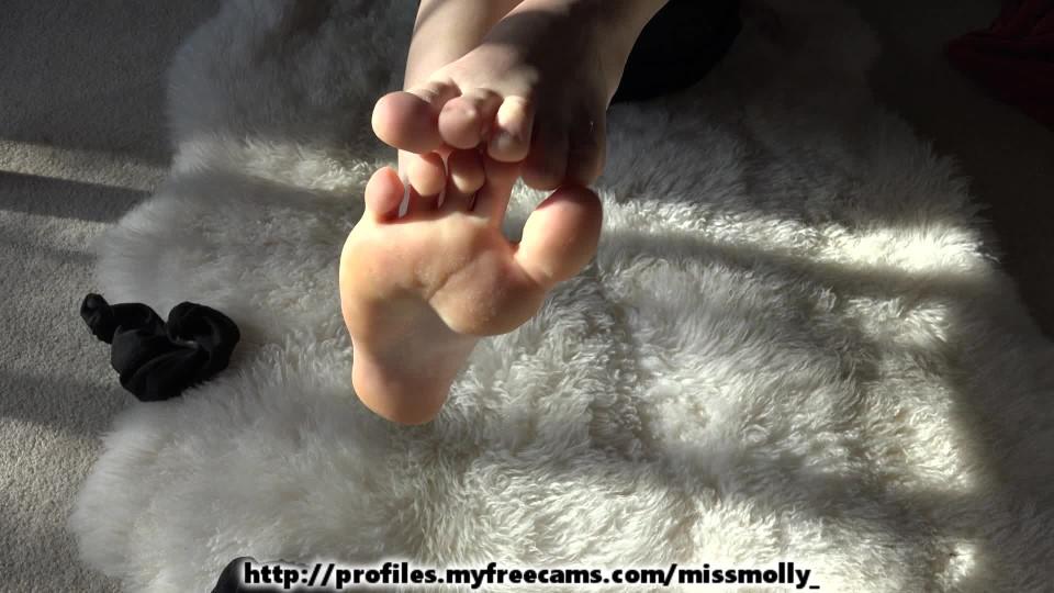 [Full HD] mollydoll toe scrunching foot fetish MollyDoll - ManyVids-00:02:58   Feet, Fetish, Mistress, Redhead - 382,3 MB