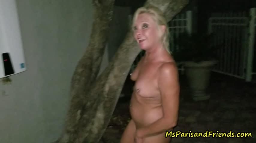 [Full HD] Msparisrose Full Nude Stripping At Night MsParisRose - ManyVids-00:11:20   MILF, Public Nudity, Public Flashing, Outdoors, Ass Shaking - 940,6 MB