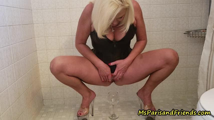 [Full HD] Msparisrose Ms Paris Pees In Everything She Finds MsParisRose - ManyVids-00:10:23 | MILF, Pee, High Heels, POV, Close-Ups - 1,1 GB