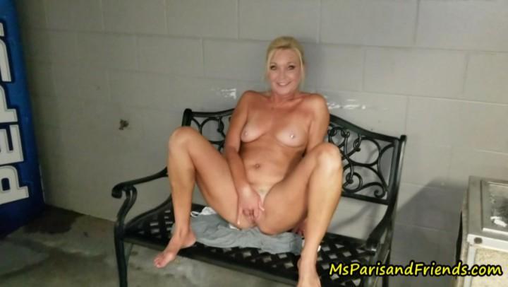[Full HD] Msparisrose Public Nudity Masturbation And Pissing MsParisRose - ManyVids-00:05:19 | Masturbation, MILF, Pee, Public Flashing, Public Nudity - 451,9 MB