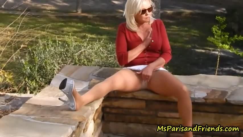[Full HD] Msparisrose Smoking Pantyhose Orgasms In The Park MsParisRose - ManyVids-00:07:28   High Heels, Masturbation, MILF, Pantyhose, Smoking - 719,9 MB