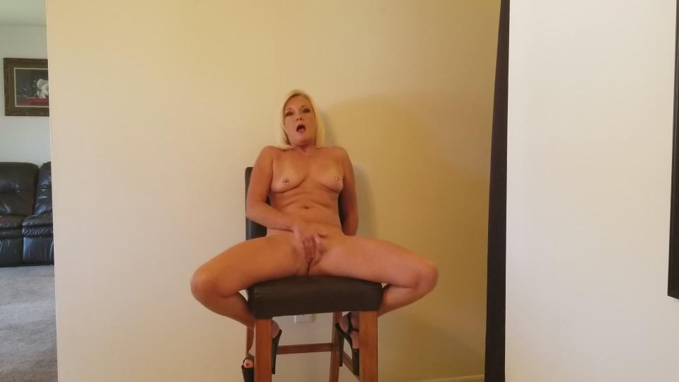 [Full HD] Msparisrose Strip Down And Masturbate Loudly MsParisRose - ManyVids-00:01:53 | Masturbation, MILF, Blonde, Orgasms, Shaved - 234,1 MB