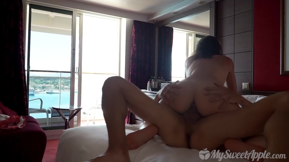 [Full HD] MySweetApple fucking in a cruise to greece MySweetApple - ManyVids-01:19:41 | Amateur, Public Nudity, Public Outdoor, Swimming, Teens - 1,8 GB