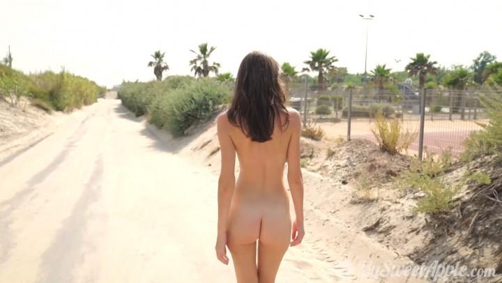[Full HD] MySweetApple Holidays At The Naked City MySweetApple - ManyVids-01:04:43 | Nude Beach, Nudity/Naked, Public Nudity, Public Outdoor, Teens - 1,9 GB
