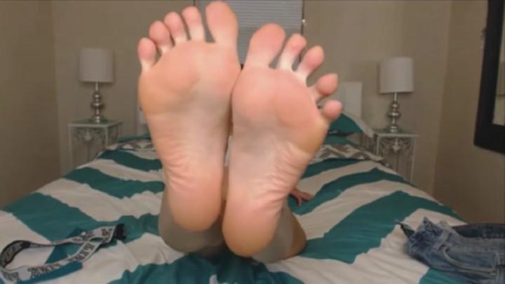 [Full HD] Natalia Mackenzie All I Want Is Cum On My Feet Natalia Mackenzie - ManyVids-00:02:50 | Feet, Feet JOI, Highly Arched Feet, Masturbation Encouragement, Tattoos - 215,7 MB