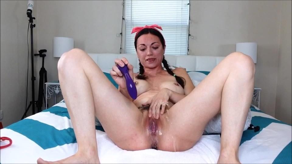 [Full HD] Natalia Mackenzie Twerk Finger Amp Squirt Natalia Mackenzie - ManyVids-00:11:33   Big Tits, Fingering, Hairy Bush, Squirt, Twerk - 1,4 GB