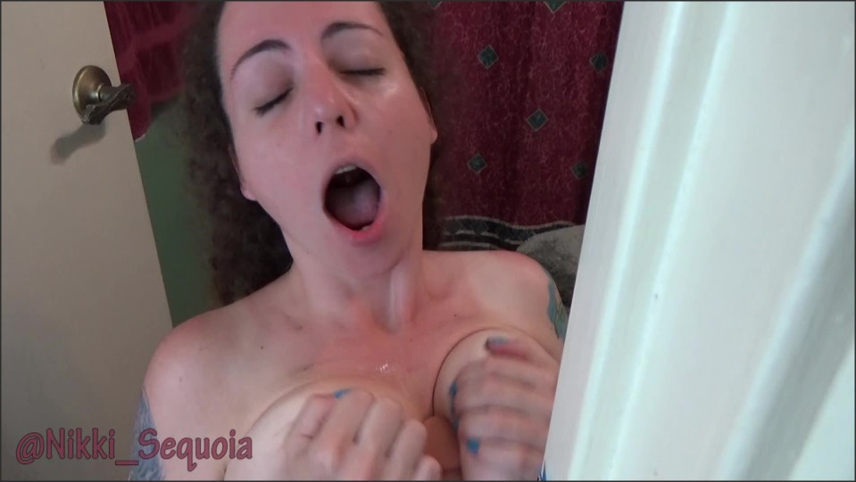 [Full HD] Nikki Sequoia Stepmoms Bath Time Nikki Sequoia - Manyvids-00:05:13 | Size - 579 MB
